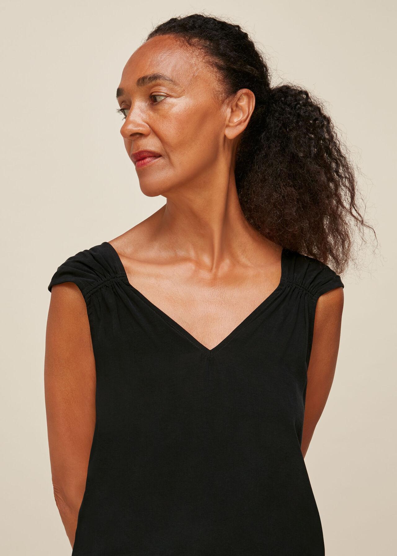 Lisbeth Gathered Detail Top Black