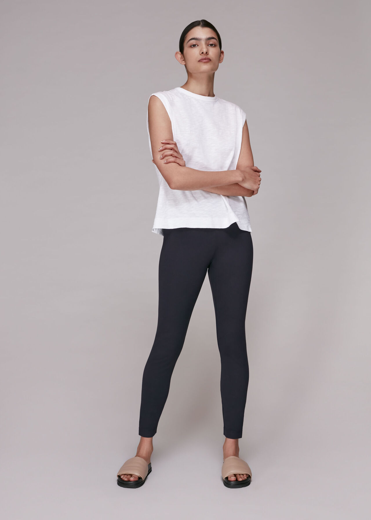 Essential Slim Legging