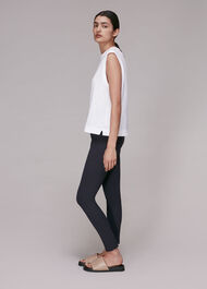 Essential Slim Legging
